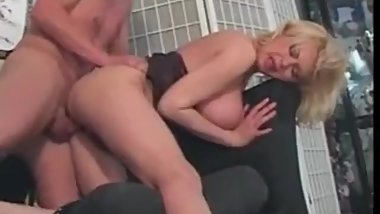 Fucking Your Friend's Hot Mom Is Every Young Man's Dream