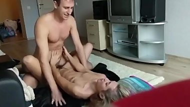 My best friends wife likes when I fuck her tight pussy