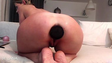 Monster buttplug anal