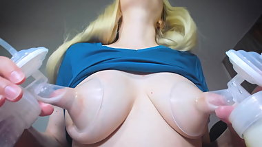 Blonde milf milk her breast