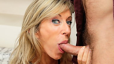 French hairy old MILF Marina Beaulieu orgasm anal