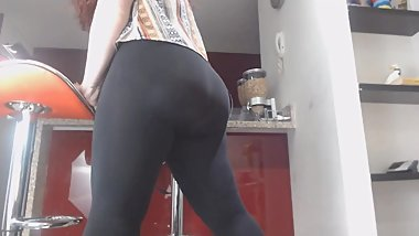 Yoga pants babe female orgasm without removing pants