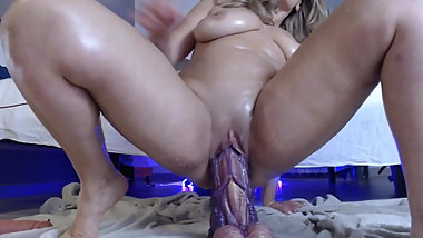 Squirting with dildo monster big mature big ass