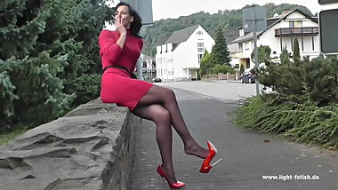 7inch red pumps