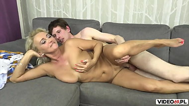 Horny young boy fucked friend's mom