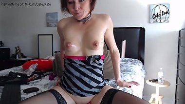 I am Video chatting with anal plug in my ass and masturbating my pussy