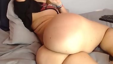 Young mom on cam flashing her asshole Megancolliins 2020-01-14 03_32