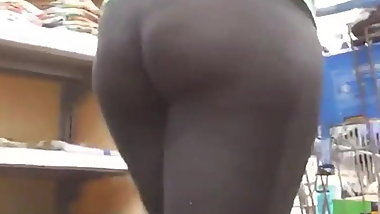 Candid big ass milf pawn leggins