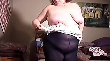 Hot Big Tit BBW Mom Doesn't See Hidden Cam Dressing For Work