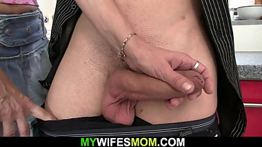 She finds her old blonde mom and boyfriend fucking